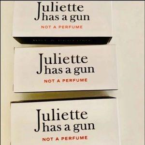 Juliette Has A Gun samples